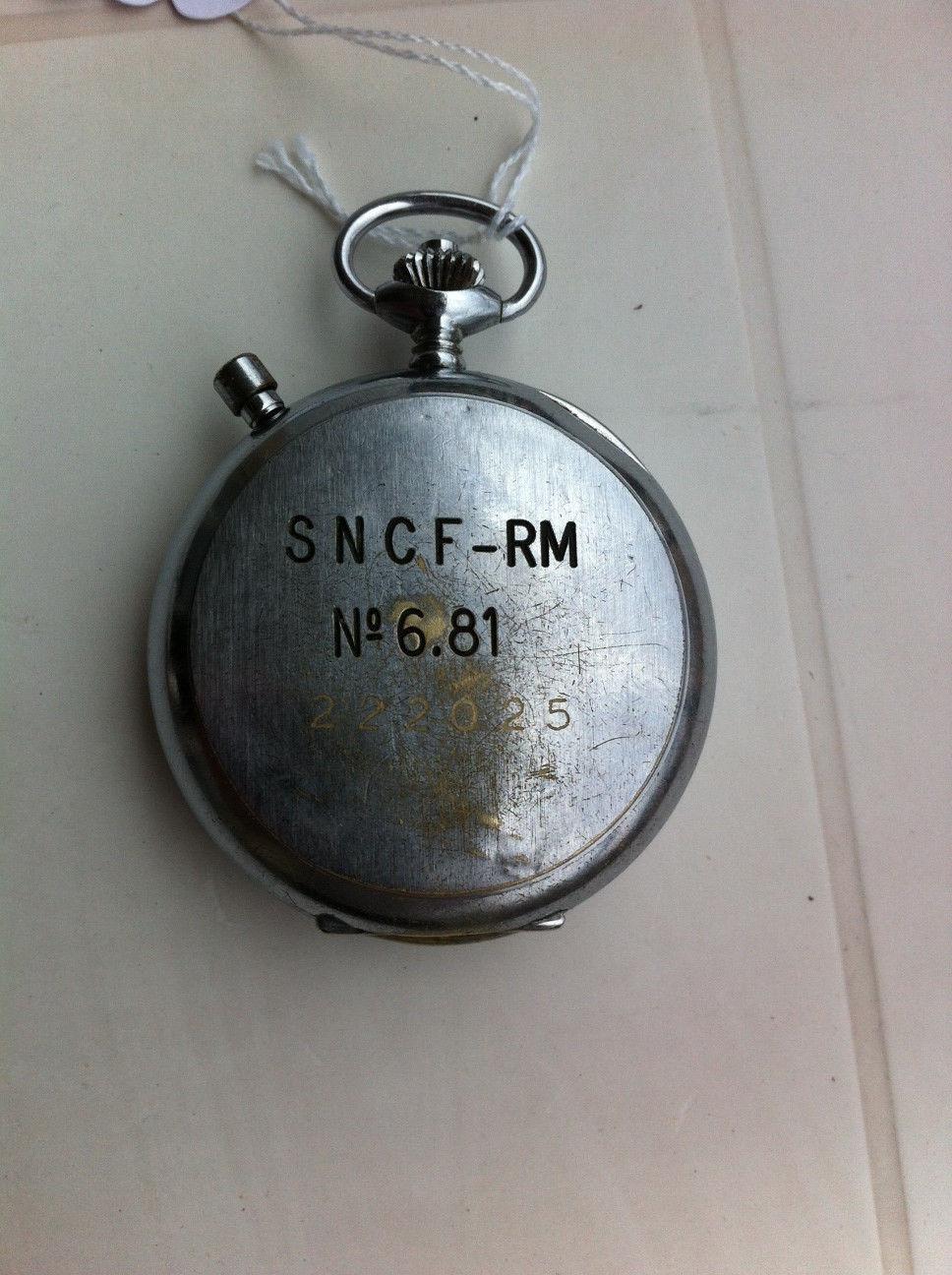 Je voudrais comprendre ce que ces lettres signifient sur l'horloge Chrono10