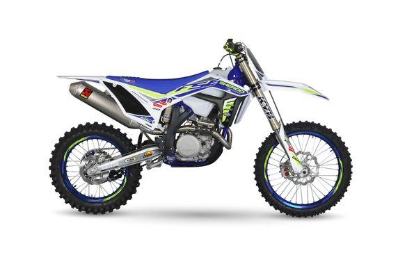 Si vous deviez les acheter neuve ? LES 3  motos qui vous bottes. - Page 6 Moto_310