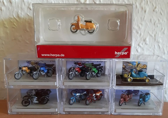Frank´s Modellmuseum  - Seite 28 Mopeds10