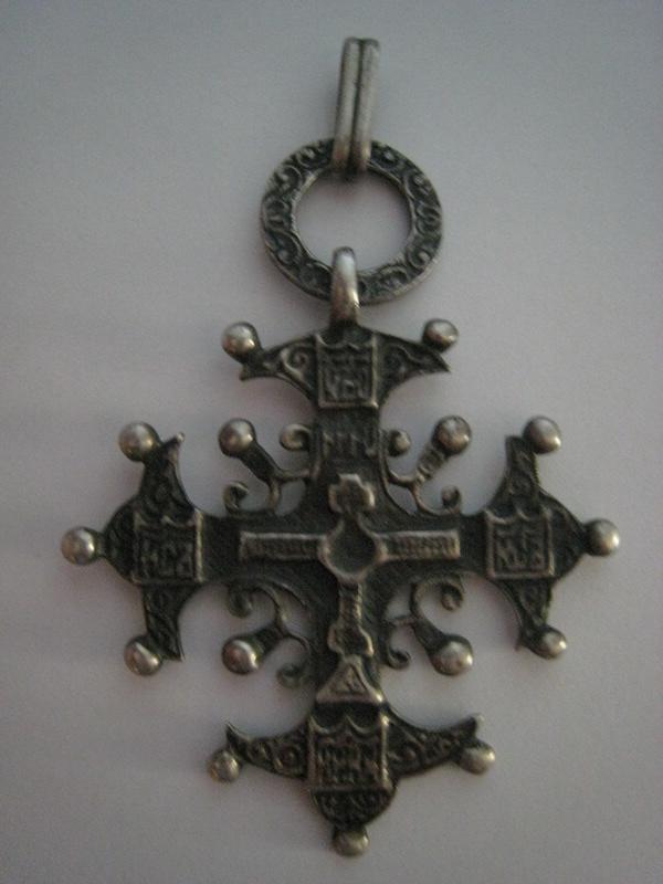Croix moderne (italienne ?) Croix_10