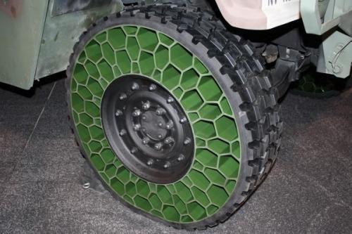 Le pneu de demain ? Humvee10