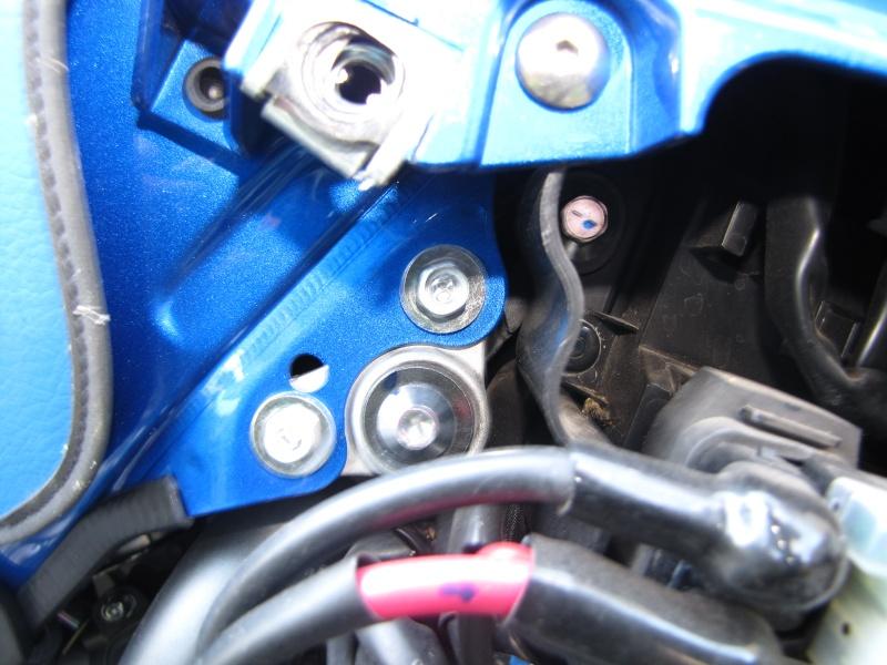 Nettoyage (ou changement ) du filtre à air en photos Img_0037