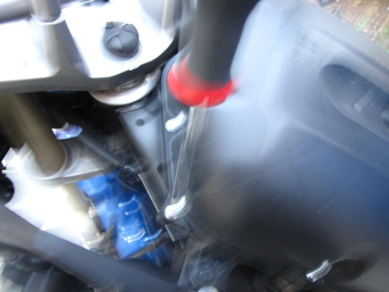 Nettoyage (ou changement ) du filtre à air en photos Img_0042