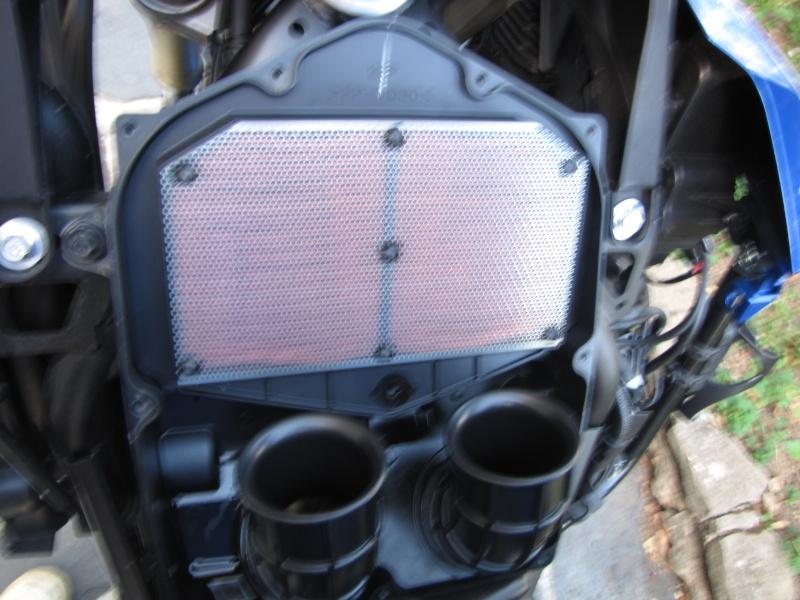 Nettoyage (ou changement ) du filtre à air en photos Img_0045