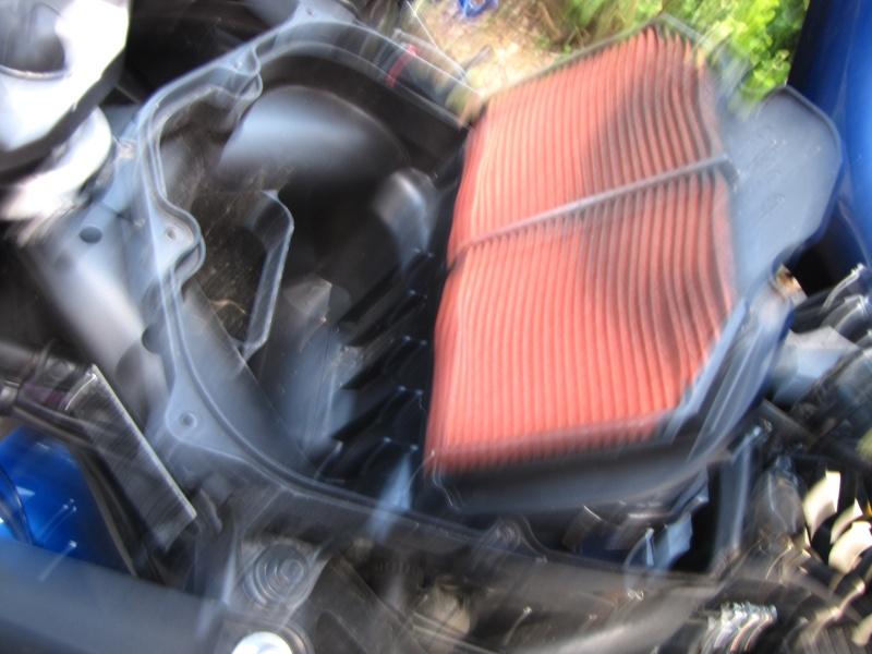 Nettoyage (ou changement ) du filtre à air en photos Img_0047
