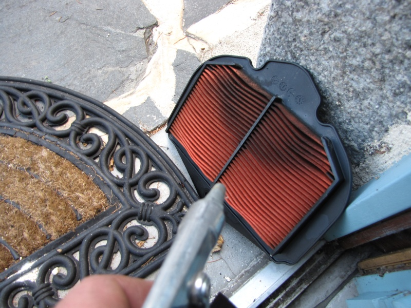 Nettoyage (ou changement ) du filtre à air en photos Img_0048