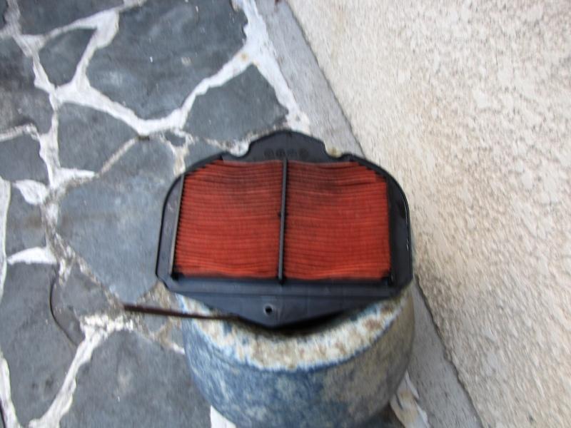 Nettoyage (ou changement ) du filtre à air en photos Img_0049