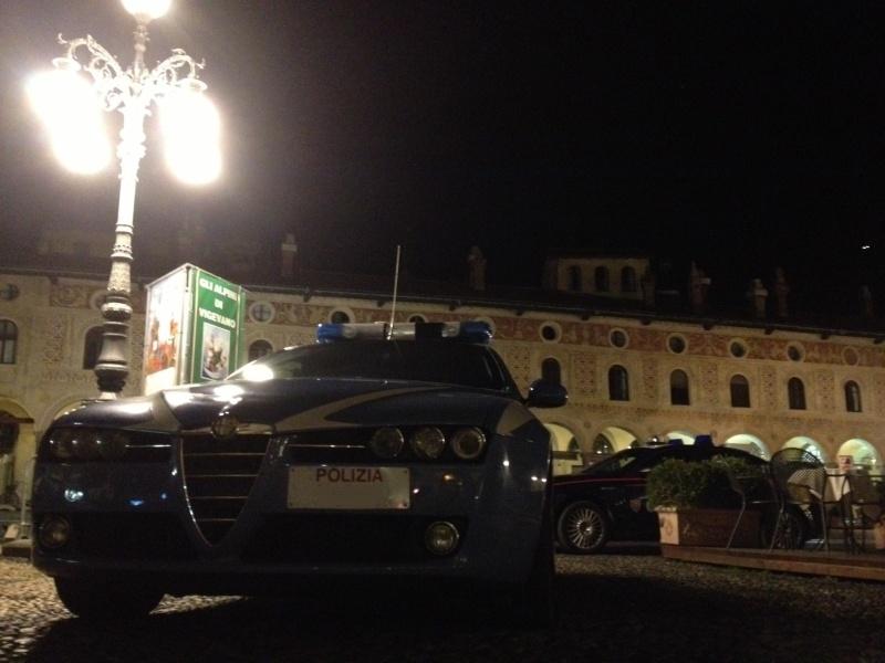 ....HO VISTO UN'ALFA !!   -  FOTO di ALFA  particolari incontrate per caso per  strada o sul web. - Pagina 3 Fotopu10