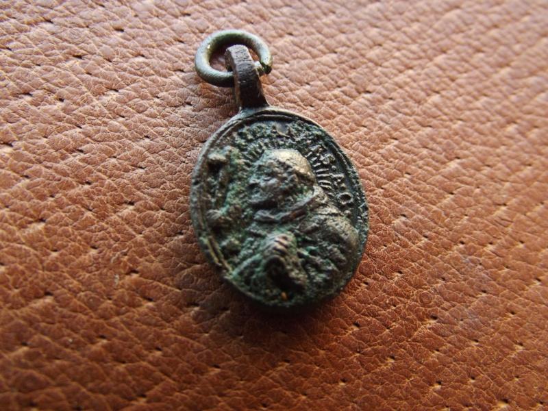 Medaillon religieux XVII/XVIIIéme siécle A210