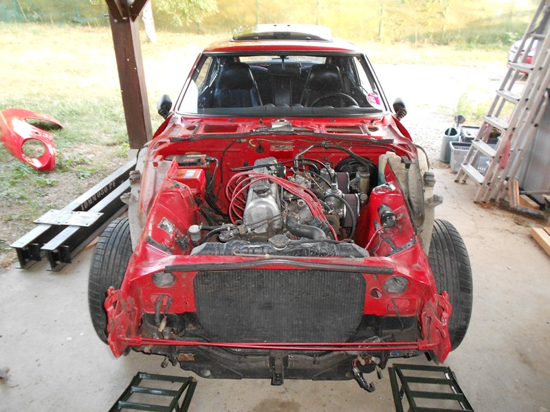 Datsun 260Z 2+2 rouge... présentation enfin!! Dscn0103