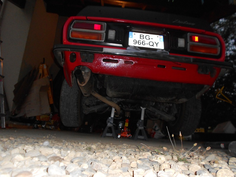 Datsun 260Z 2+2 rouge... présentation enfin!! Dscn0108