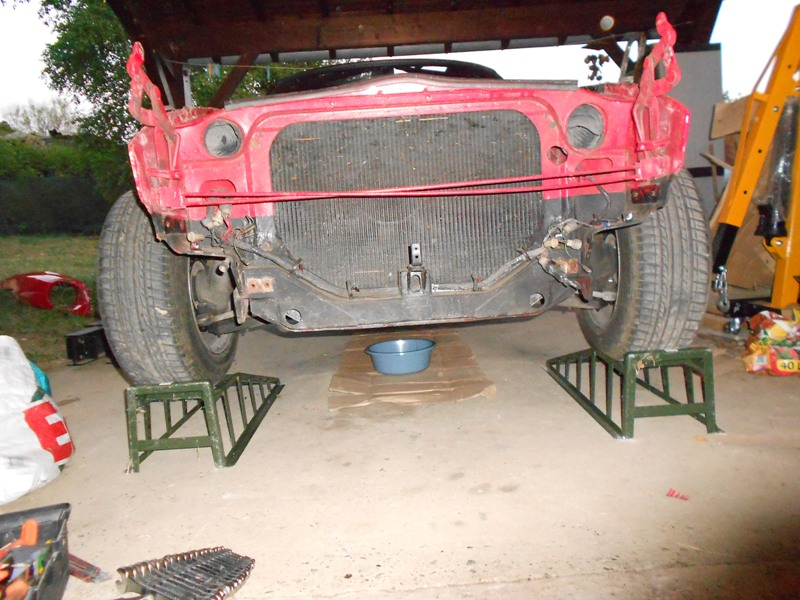Datsun 260Z 2+2 rouge... présentation enfin!! Dscn0109