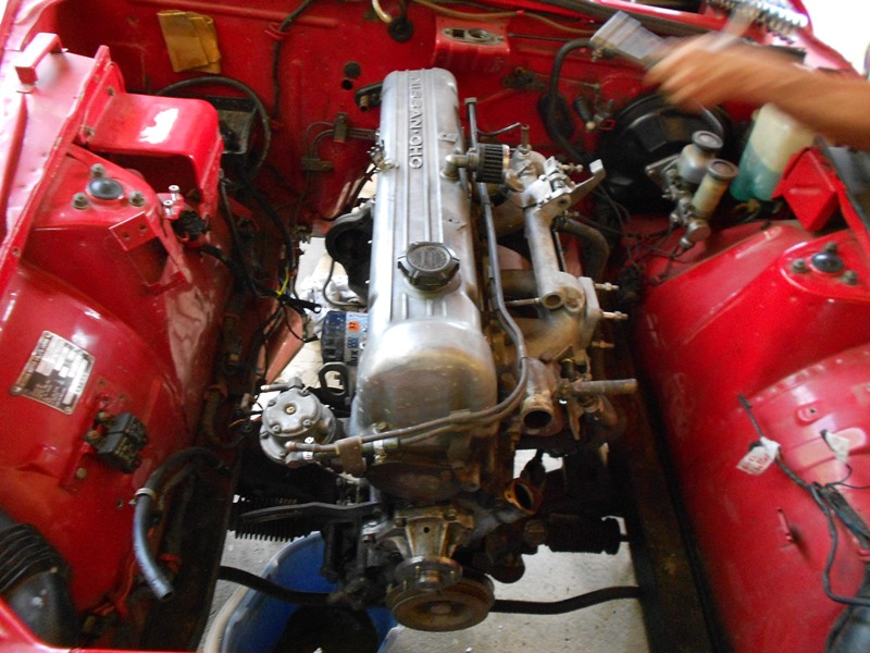 Datsun 260Z 2+2 rouge... présentation enfin!! Dscn0142