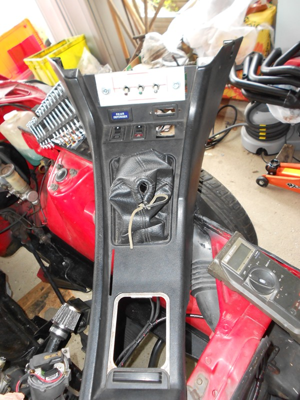 Datsun 260Z 2+2 rouge... présentation enfin!! Dscn0169