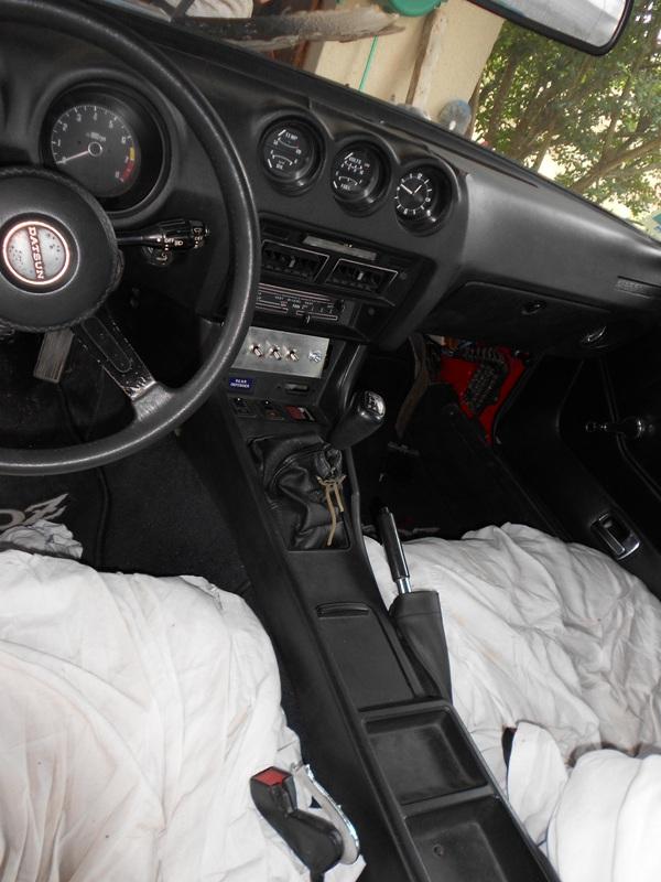 Datsun 260Z 2+2 rouge... présentation enfin!! Dscn0171