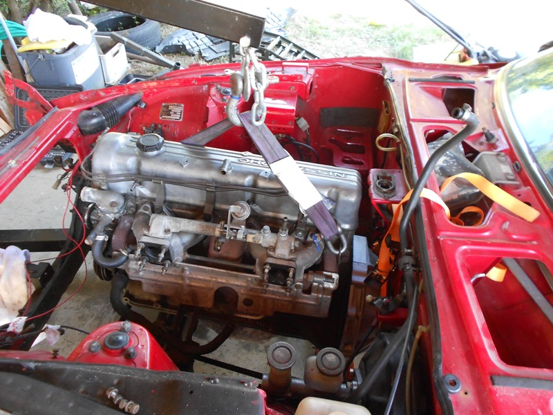 Datsun 260Z 2+2 rouge... présentation enfin!! Dscn0563