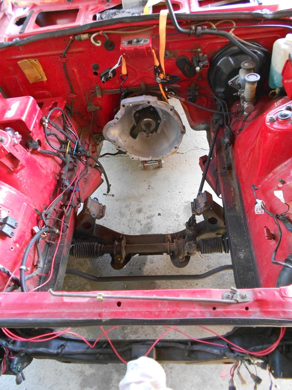 Datsun 260Z 2+2 rouge... présentation enfin!! Dscn0566