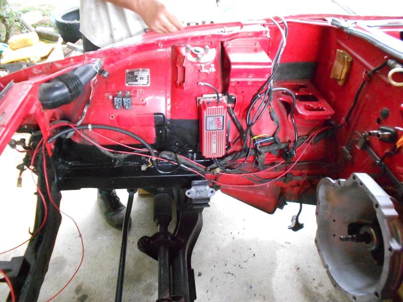 Datsun 260Z 2+2 rouge... présentation enfin!! Dscn0575