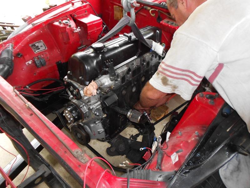 Datsun 260Z 2+2 rouge... présentation enfin!! Dscn0584