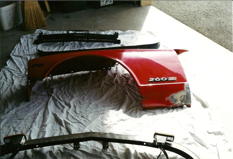 Datsun 260Z 2+2 rouge... présentation enfin!! Ranova33