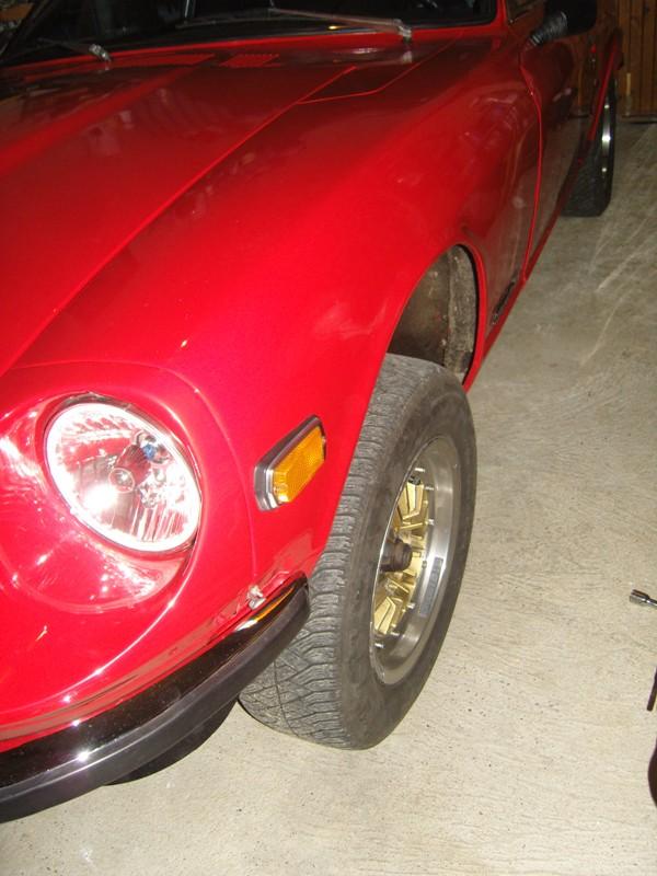 Datsun 260Z 2+2 rouge... présentation enfin!! Sn152710