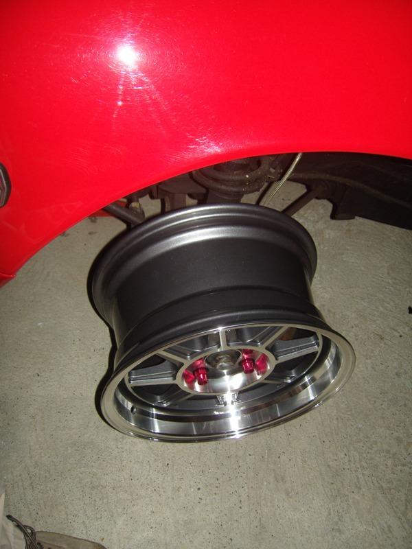 Datsun 260Z 2+2 rouge... présentation enfin!! Sn152713