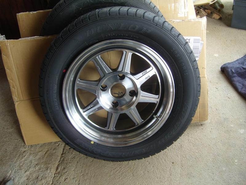 Datsun 260Z 2+2 rouge... présentation enfin!! Sn152719