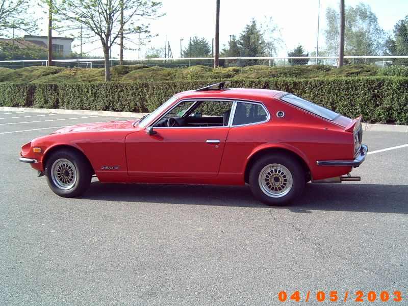 Datsun 260Z 2+2 rouge... présentation enfin!! St-gal12