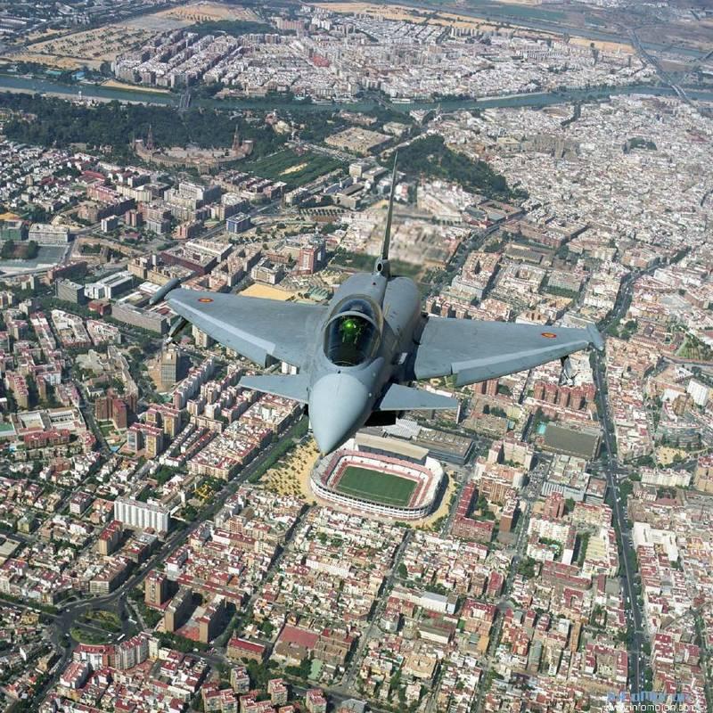 Armée Espagnole/Fuerzas Armadas Españolas - Page 10 Aet93n10