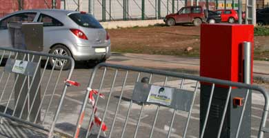 Problemas de aparcamiento en el hospital San Pedro Barrer10