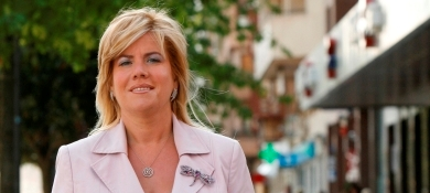 La Defensora rechaza la petición del PSOE sobre actividades económicas del Gobierno Defens10