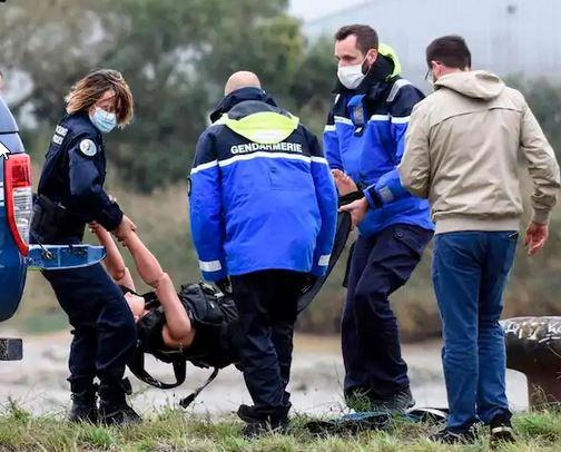 Deux policiers français sauvagement agressés et blessés par balles! Manequ11