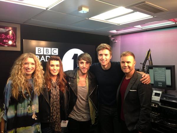 Gary en promo sur Itv1 et à la BBC1 le 02-10-2012 135