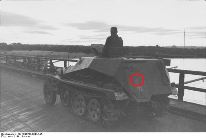 Historique de la 7 Panzer Division. - Page 2 00052710