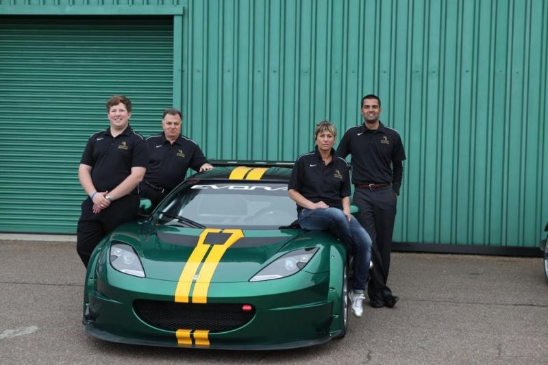 Diamo il benvenuto alla pilota Lotus Silvana Di Feo! 46049910