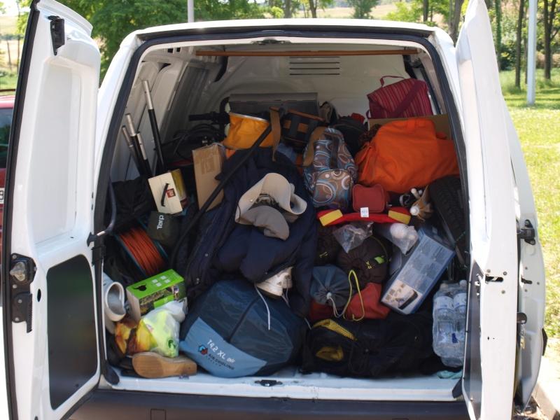 Chargement tente dans la voiture ou autres P6270410