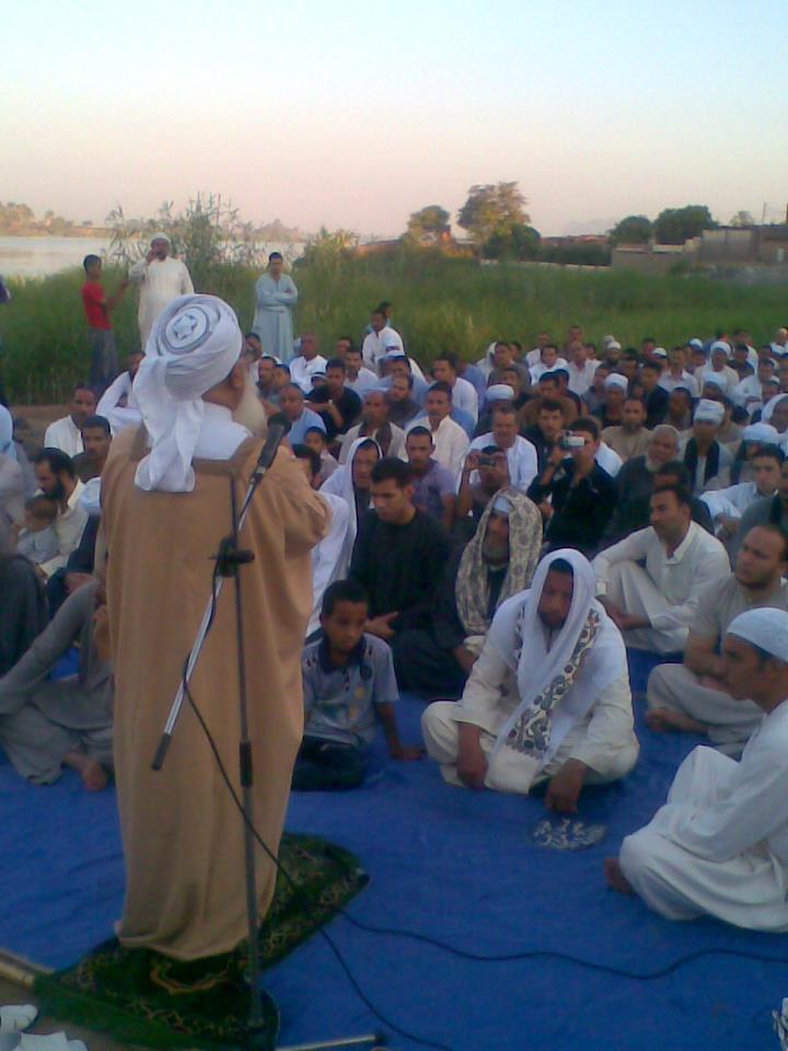 إحياء سنة الحبيب (صلى الله عليه وسلم ) بصلاة عيد الفطر المبارك في الخلاء علي ضفاف النيل بقرية الكتكاتة2012 1410