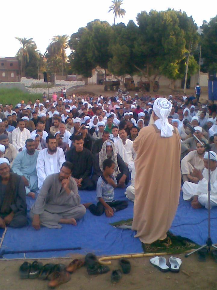 إحياء سنة الحبيب (صلى الله عليه وسلم ) بصلاة عيد الفطر المبارك في الخلاء علي ضفاف النيل بقرية الكتكاتة2012 1610