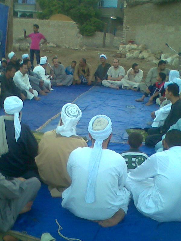 إحياء سنة الحبيب (صلى الله عليه وسلم ) بصلاة عيد الفطر المبارك في الخلاء علي ضفاف النيل بقرية الكتكاتة2012 210