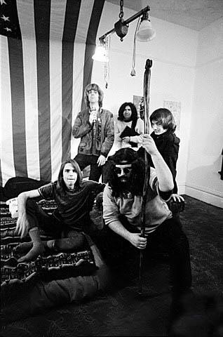 Grateful Dead - Pics - Page 7 1967_a10