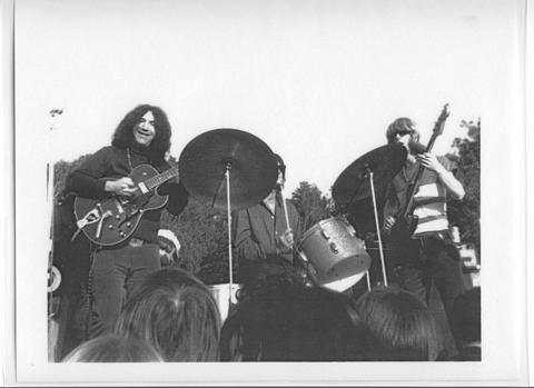 Grateful Dead - Pics - Page 8 1967_g10