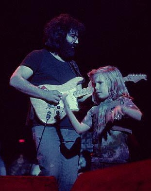 Grateful Dead - Pics - Page 8 1972_j10