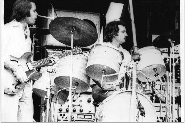 Grateful Dead - Pics - Page 9 1973-012