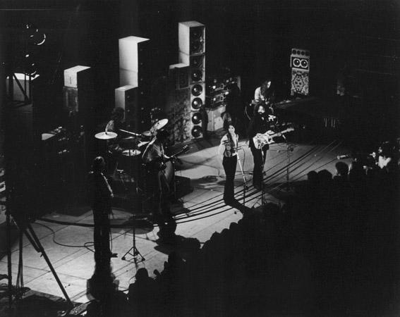 Grateful Dead - Pics - Page 9 1973_010