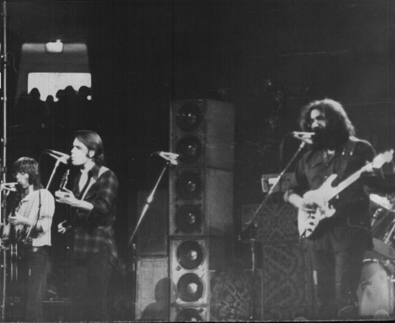 Grateful Dead - Pics - Page 9 1973_011
