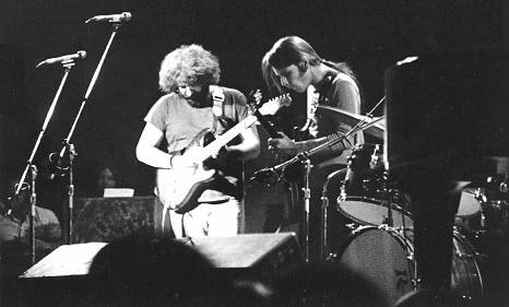 Grateful Dead - Pics - Page 9 1973_j10
