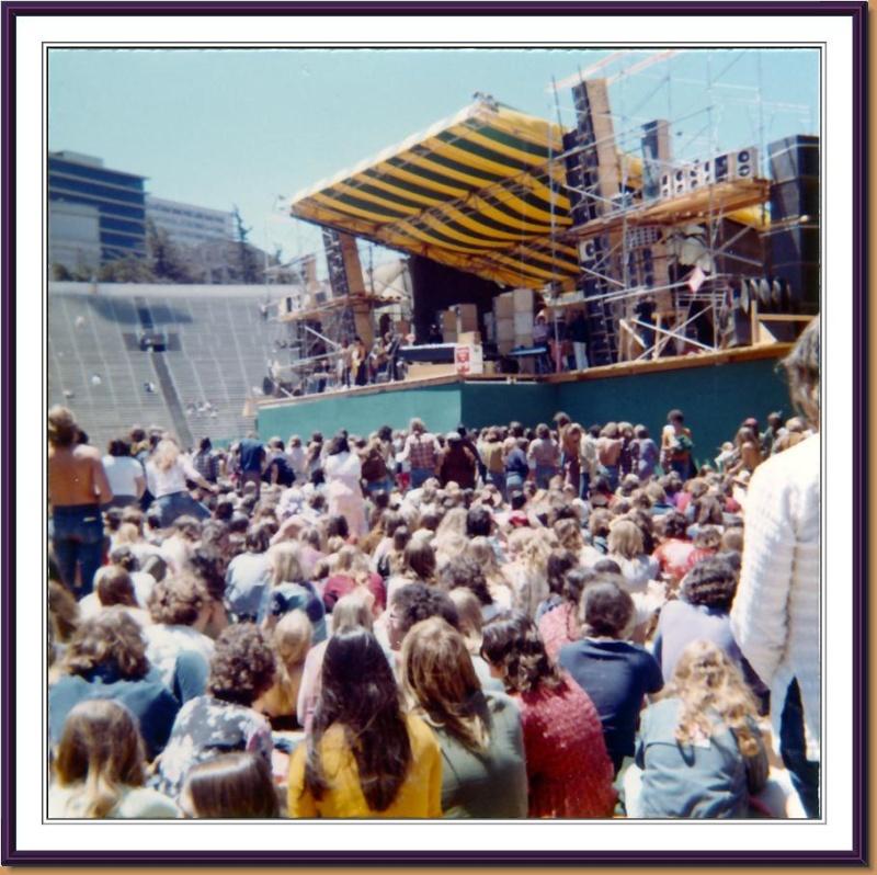 Grateful Dead - Pics - Page 9 1973ke11