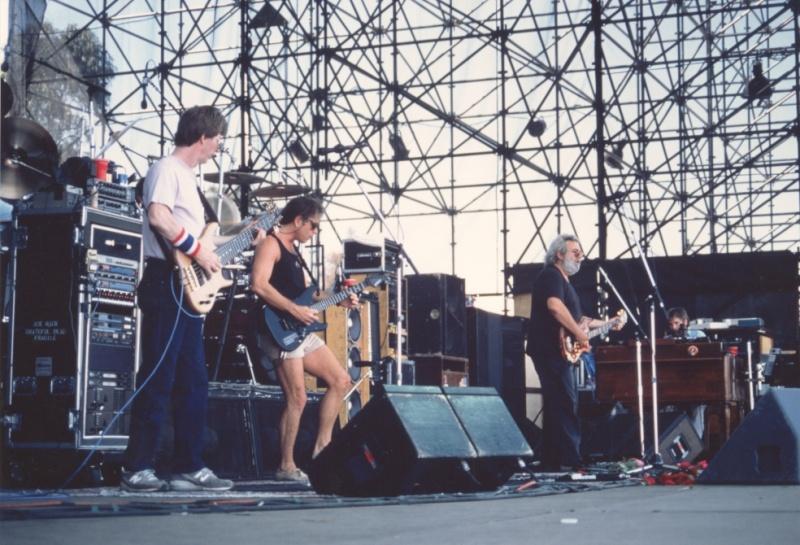 Grateful Dead - Pics - Page 7 19900510