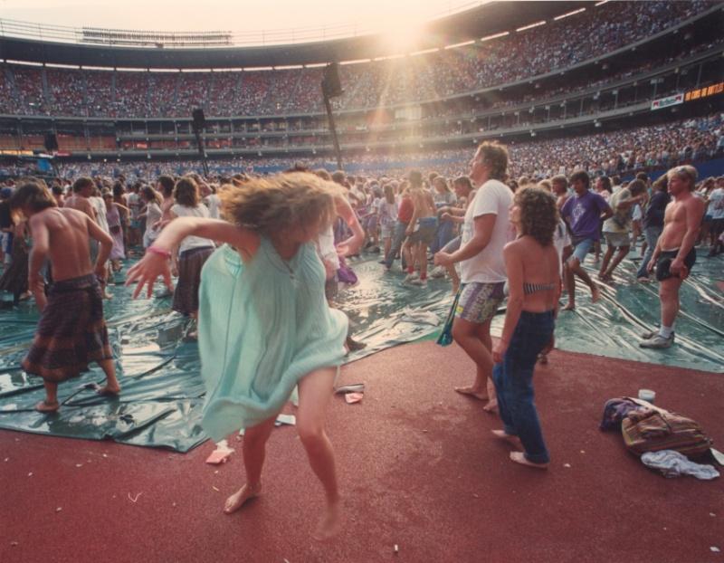 Grateful Dead - Pics - Page 9 19900712