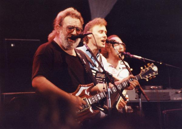 Grateful Dead - Pics - Page 9 19910611